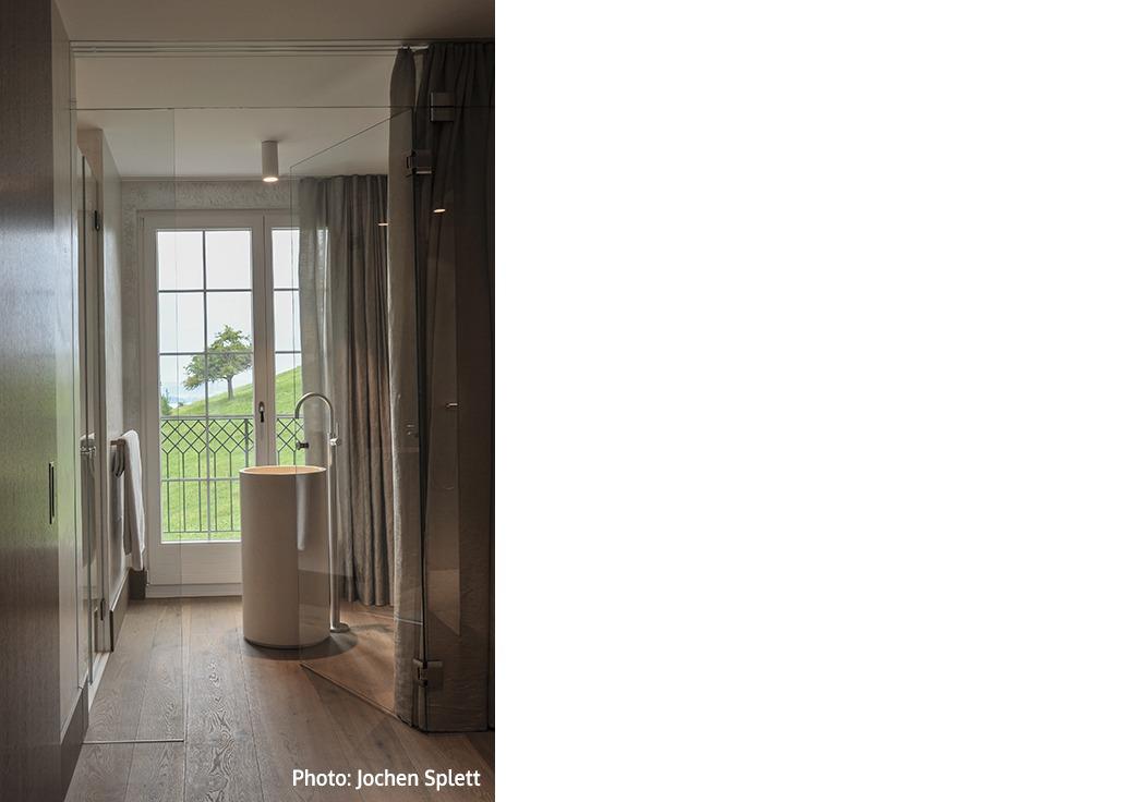 Private villa neutra contract