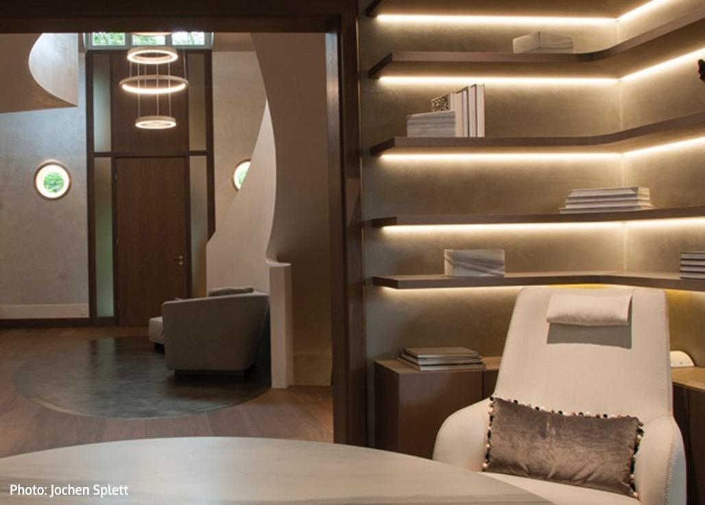 Villa Zurich Neutra Contract