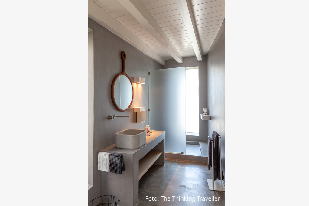 Neutra Bathroom Grecia 2019
